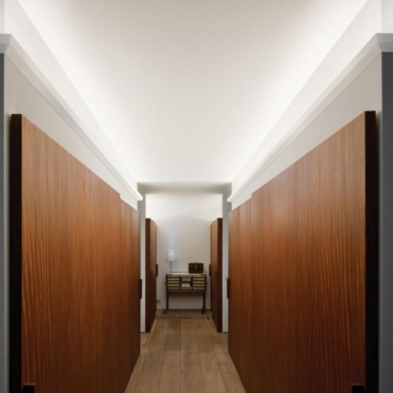 Фото 3 - Карниз скрытого освещения Orac decor Luxxus C357